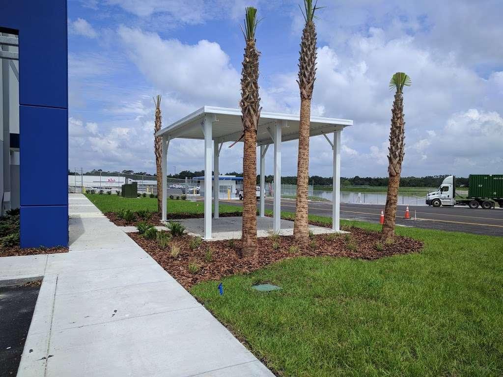 Best Buy Warehouse, Polk City - storage  | Photo 7 of 10 | Address: 8906 State Rd 33 N, Polk City, FL 33868, USA