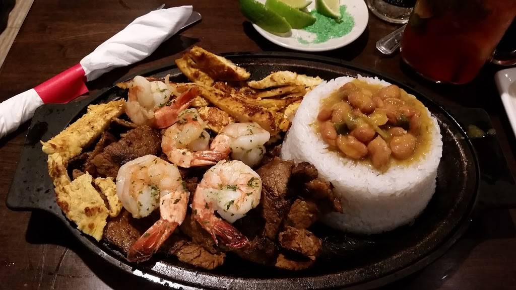 Noches De Colombia - restaurant  | Photo 8 of 10 | Address: 7700 Tonnelle Ave., North Bergen, NJ 07047, USA | Phone: (201) 868-8110