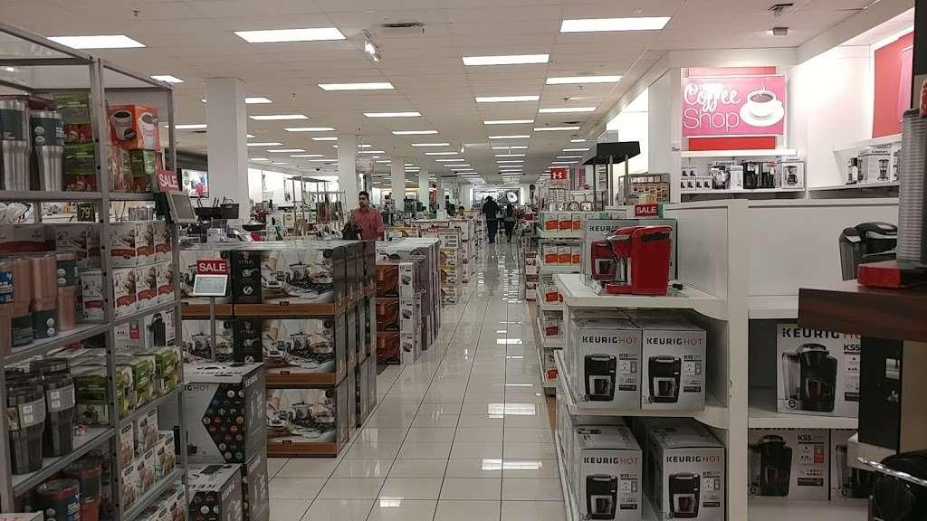 Kohls Caesars Bay - department store  | Photo 10 of 10 | Address: 8973 Bay Pkwy Ste 1, Brooklyn, NY 11214, USA | Phone: (718) 266-6357