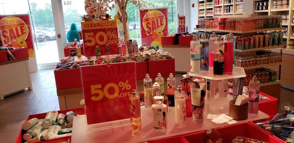 Bath & Body Works - home goods store  | Photo 2 of 6 | Address: 164 Colony Pl, Plymouth, MA 02360, USA | Phone: (508) 747-9672