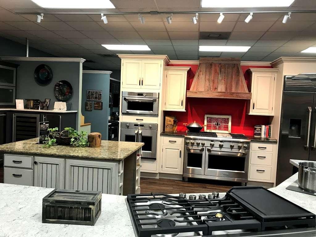 Renova Appliance Center, Ltd. - home goods store    Photo 2 of 10   Address: 12440 S Sam Houston Pkwy W, Houston, TX 77031, USA   Phone: (713) 270-8810