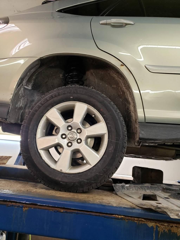 Howards Auto Repair - car repair  | Photo 4 of 7 | Address: 3125 N 84th Cir, Omaha, NE 68134, USA | Phone: (402) 991-5275