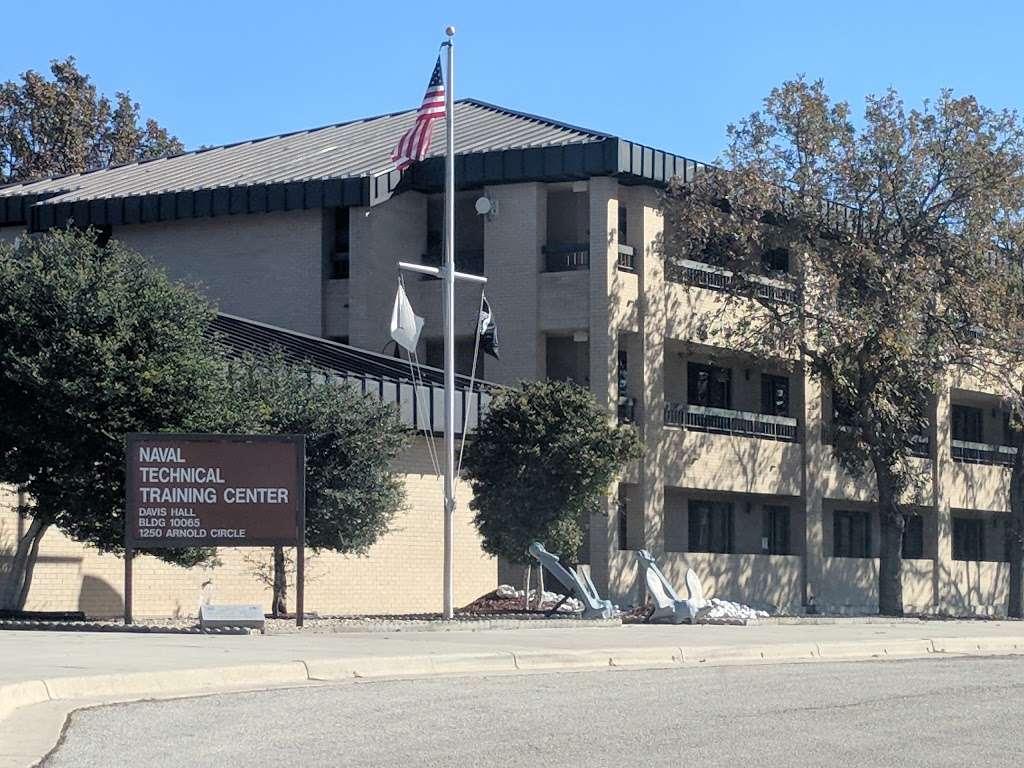 Gateway Inn - lodging  | Photo 1 of 10 | Address: 1750 Femoyer St, San Antonio, TX 78236, USA | Phone: (210) 673-6930