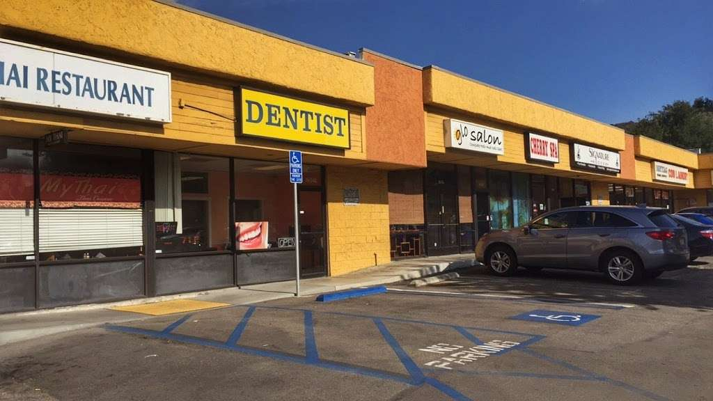 Happy Smile Dental Office - dentist  | Photo 2 of 9 | Address: 8654 Foothill Blvd b, Sunland-Tujunga, CA 91040, USA | Phone: (818) 353-1615