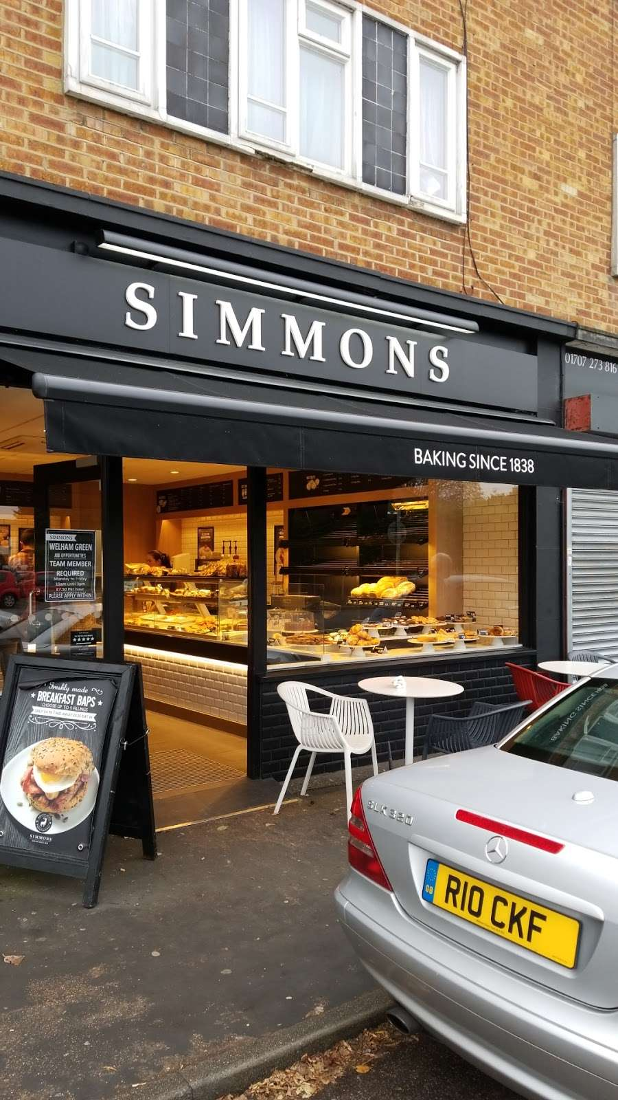 Simmons Bakers - bakery  | Photo 1 of 2 | Address: 51 Dellsome Ln, Welham Green, Hatfield AL9 7DY, UK | Phone: 01707 263843