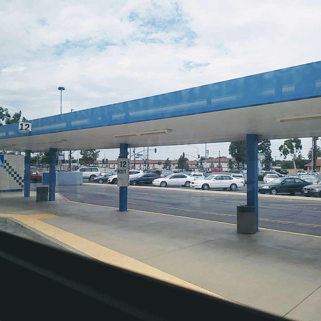 Park & Ride - parking  | Photo 4 of 10 | Address: 3000 W Orangethorpe Ave, Fullerton, CA 92833, USA