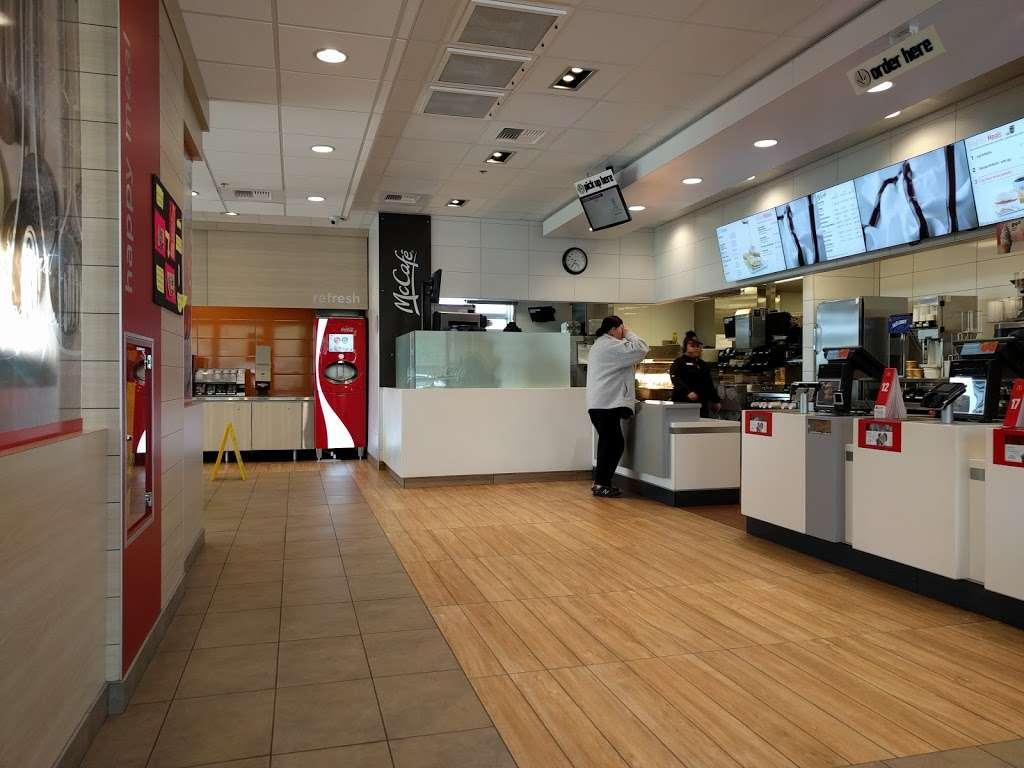 McDonalds - cafe  | Photo 6 of 10 | Address: 3500 Nelson Rd, Fairfield, CA 94533, USA | Phone: (707) 426-4734