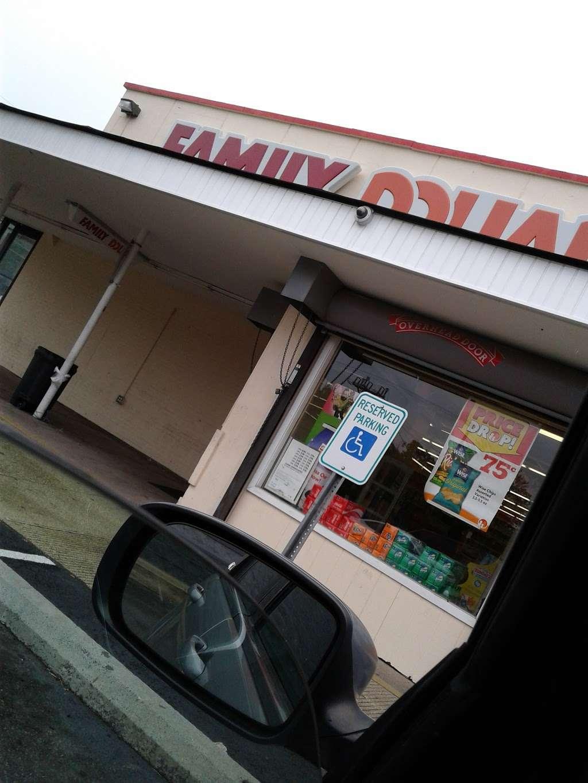 Family Dollar - supermarket  | Photo 6 of 10 | Address: 6611 Marlboro Pike, District Heights, MD 20747, USA | Phone: (301) 736-8300