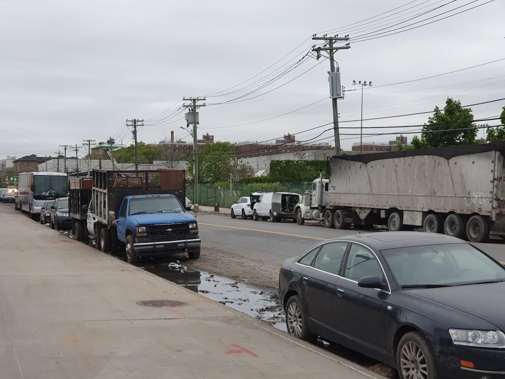 FedEx Ground - moving company  | Photo 7 of 7 | Address: 300 Maspeth Ave, Brooklyn, NY 11211, USA | Phone: (800) 463-3339