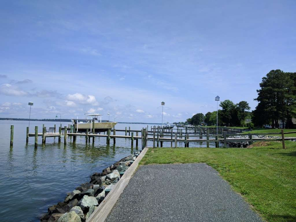 Waterfront park on Miles River - park  | Photo 1 of 10 | Address: 1073 Riverview Terrace, St Michaels, MD 21663, USA