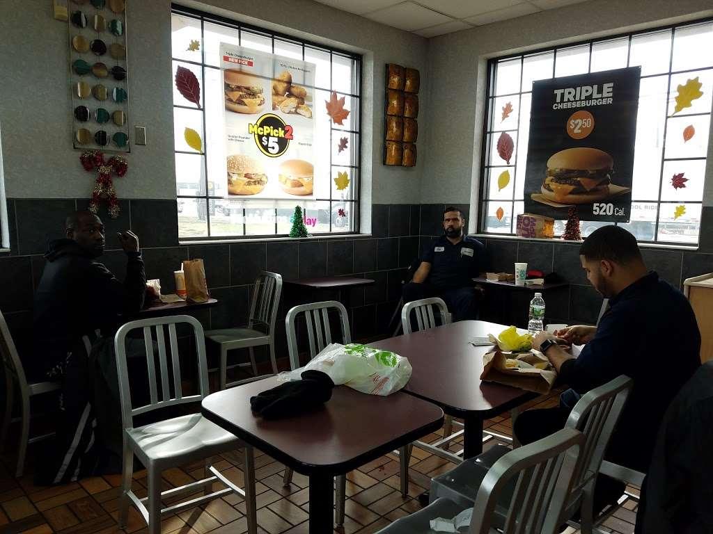 McDonalds - cafe  | Photo 3 of 10 | Address: 819 North Ave #835, Elizabeth, NJ 07201, USA | Phone: (908) 469-8684