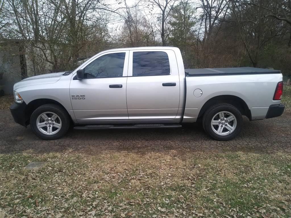 A Plus Tire - car repair    Photo 3 of 6   Address: 3700 Dickerson Pike, Nashville, TN 37207, USA   Phone: (615) 732-0877
