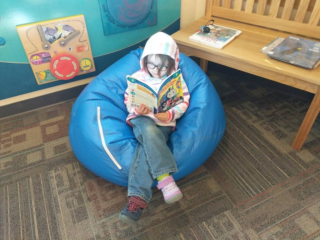 Multnomah County Library - Gregory Heights - library    Photo 4 of 6   Address: 7921 NE Sandy Blvd, Portland, OR 97213, USA   Phone: (503) 988-5123