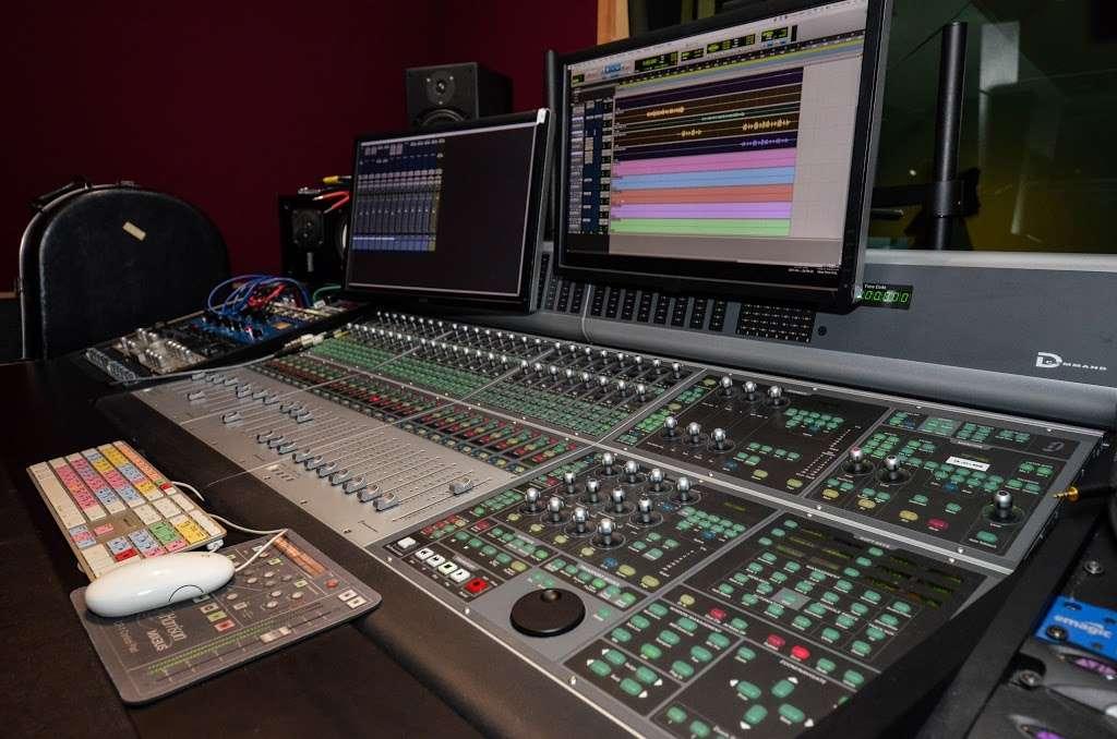 Studio City Sound - electronics store  | Photo 9 of 10 | Address: 4412 Whitsett Ave, Studio City, CA 91604, USA | Phone: (818) 505-9368