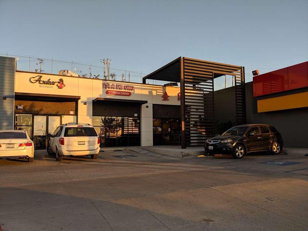 Restaurante Isla De Oro - meal delivery  | Photo 2 of 16 | Address: Av. Paseo del Lago 19407, Rio Tijuana 3ra Etapa, 22210 Tijuana, B.C., Mexico | Phone: 664 627 9882