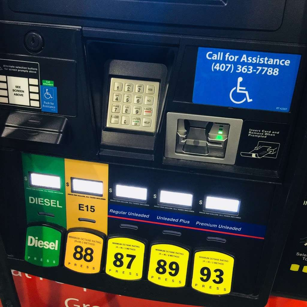 RaceTrac - gas station  | Photo 10 of 10 | Address: 12136 S John Young Pkwy, Orlando, FL 32837, USA | Phone: (407) 363-7788