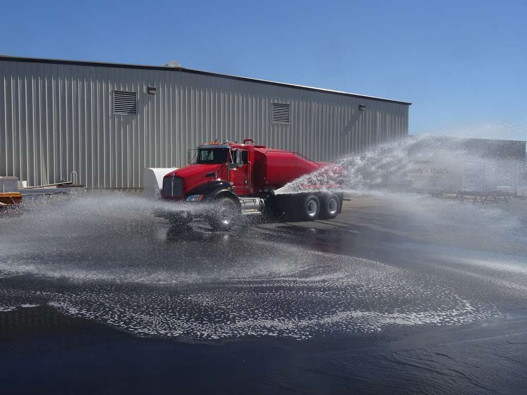 United Truck & Equipment, Inc. - store  | Photo 10 of 10 | Address: 2045 W Buckeye Rd, Phoenix, AZ 85009, USA | Phone: (602) 253-7739