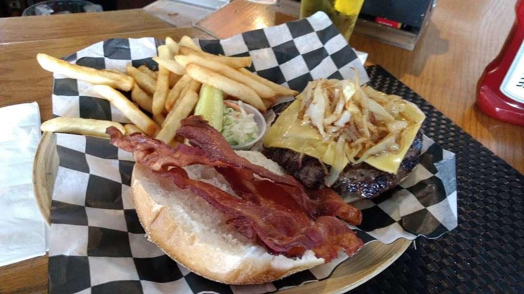 Aders Tavern - restaurant  | Photo 4 of 10 | Address: 1321 Florence Ave, Union Beach, NJ 07735, USA | Phone: (732) 888-1634
