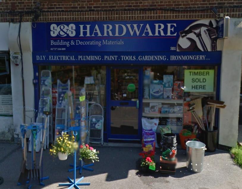 S&S Hardware - hardware store  | Photo 4 of 9 | Address: 231 Coulsdon Rd, Coulsdon CR5 1EN, UK | Phone: 01737 556009