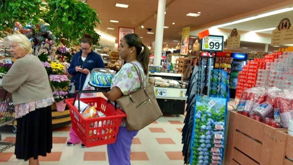 Oakdale Mall - shopping mall  | Photo 6 of 10 | Address: 1900 Main St, Tewksbury, MA 01876, USA | Phone: (978) 851-6856