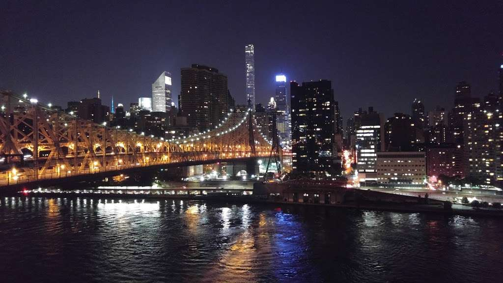 Riverwalk Crossing Luxury Apartments - real estate agency  | Photo 10 of 10 | Address: 405 Main St, New York, NY 10044, USA | Phone: (646) 992-4143