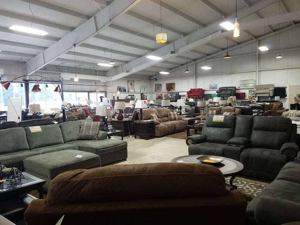 Curlys Furniture - furniture store    Photo 5 of 10   Address: 1901 E Lincoln Hwy #3996, DeKalb, IL 60115, USA   Phone: (815) 517-1334