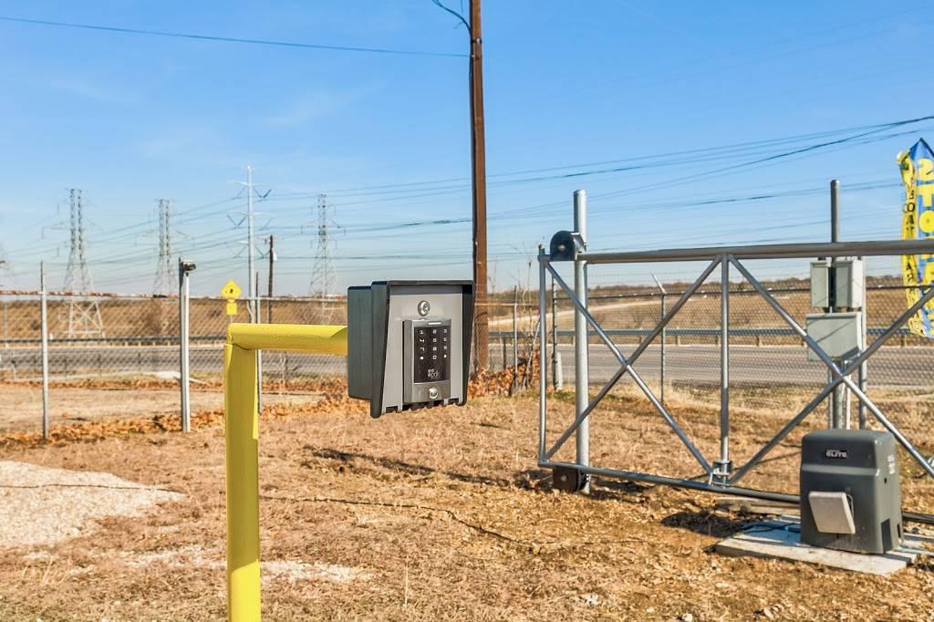 Fort Worth Boatel & Storage - storage  | Photo 4 of 7 | Address: 8955 Boat Club Rd, Fort Worth, TX 76179, USA | Phone: (817) 385-7671