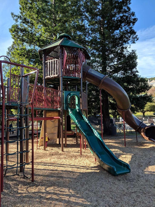 Rancho Laguna Park - park  | Photo 5 of 10 | Address: 2101 Camino Pablo, Moraga, CA 94556, USA | Phone: (925) 376-2520