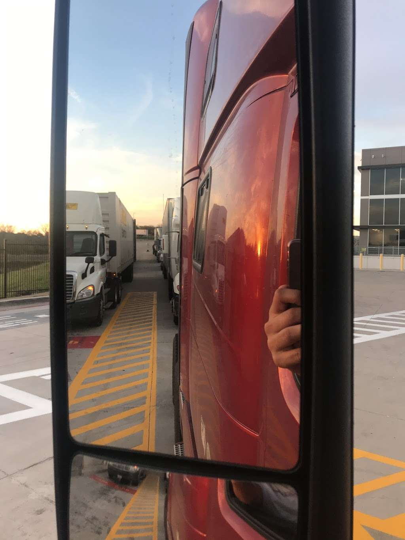 Amazon Fulfillment Center FTW1 - storage  | Photo 10 of 10 | Address: 33333 Lyndon B Johnson Fwy, Dallas, TX 75241, USA | Phone: (866) 531-2476