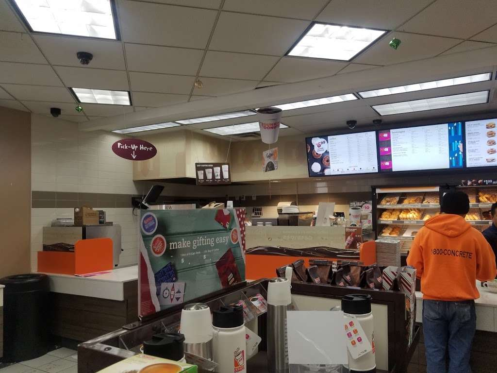 Dunkin Donuts - cafe  | Photo 10 of 10 | Address: 8401 River Rd, North Bergen, NJ 07047, USA | Phone: (201) 861-7888