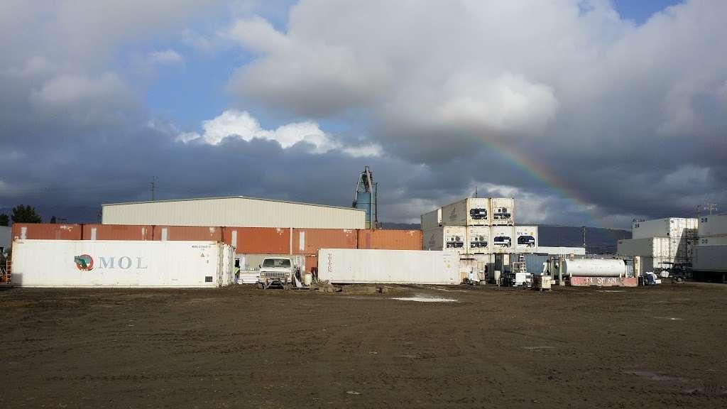 Three Harbors Services - moving company  | Photo 1 of 10 | Address: 4821 Tidewater Ave, Oakland, CA 94601, USA | Phone: (510) 436-2804
