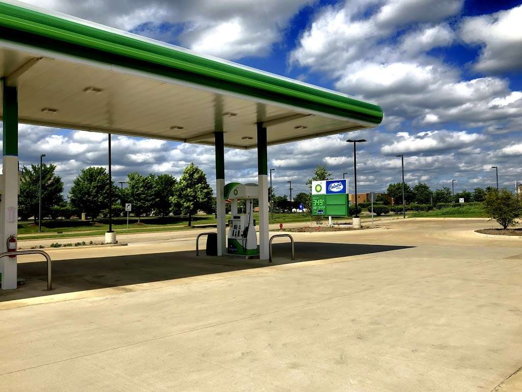 BP Oasis by 59 - gas station  | Photo 2 of 4 | Address: 4665 Hoffman Blvd, Hoffman Estates, IL 60192, USA | Phone: (224) 802-2119