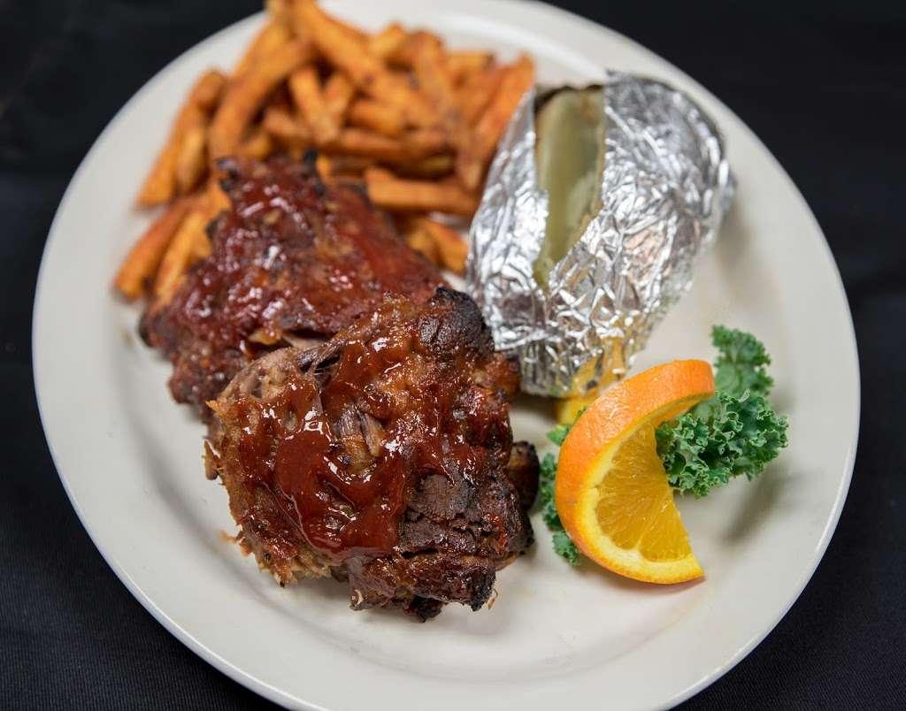 Jon's Tavern & Grill - restaurant  | Photo 7 of 10 | Address: 1302 N Van Lingle Mungo Blvd, Pageland, SC 29728, USA | Phone: (843) 672-6175