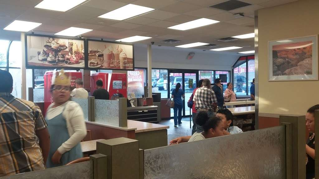 Burger King - restaurant  | Photo 3 of 10 | Address: 9105 Bergenline Ave, North Bergen, NJ 07047, USA | Phone: (201) 854-9069