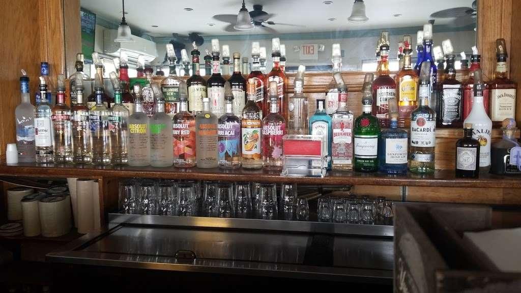 The Wharf - restaurant  | Photo 2 of 10 | Address: 416 B 116th St, Rockaway Park, NY 11694, USA | Phone: (718) 474-8807