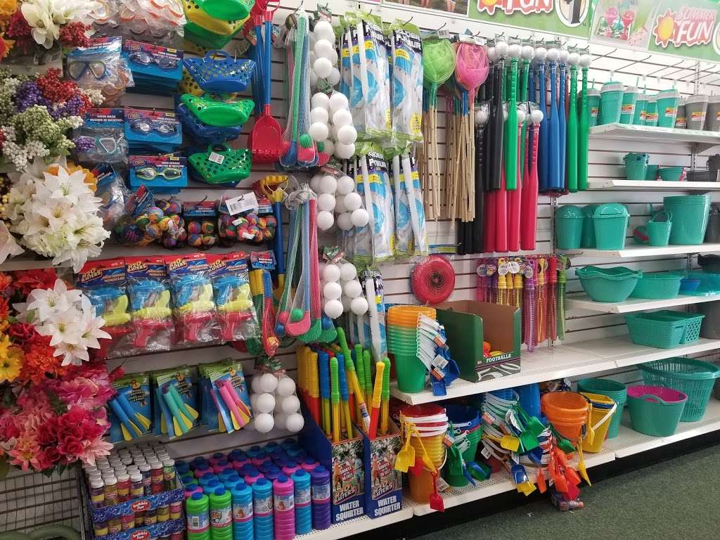 The Commons Shopping Center - shopping mall  | Photo 3 of 10 | Address: 515 Daniel Webster Hwy, Merrimack, NH 03054, USA