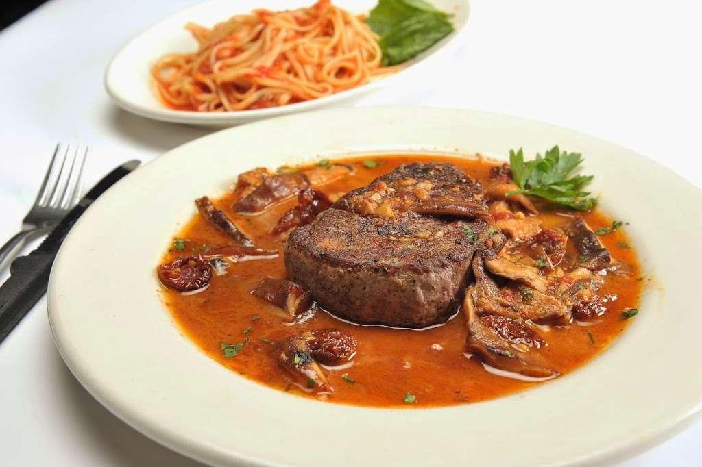 Vinnys Ristorante - meal takeaway  | Photo 10 of 10 | Address: 3320 76 Broadway, Somerville, MA 02145, USA | Phone: (617) 628-1921
