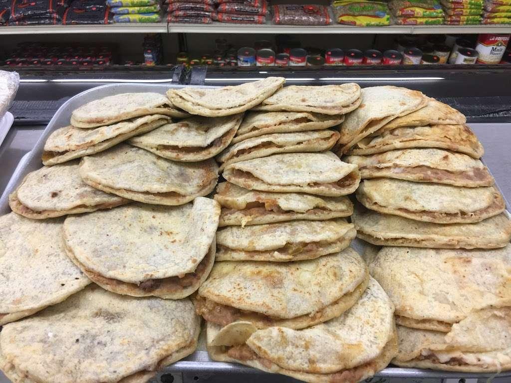 La Esperanza Grocery - store  | Photo 4 of 5 | Address: 6143 S Archer Rd, Summit, IL 60501, USA | Phone: (708) 496-8865