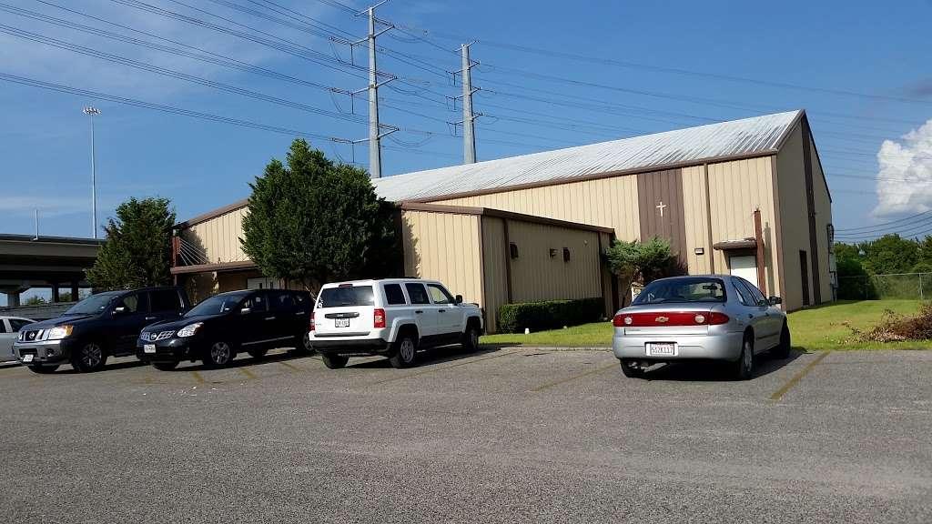 Suburban Wood Baptist Church - church  | Photo 1 of 9 | Address: 6511 Eddie Dr, Humble, TX 77396, USA | Phone: (281) 441-3959