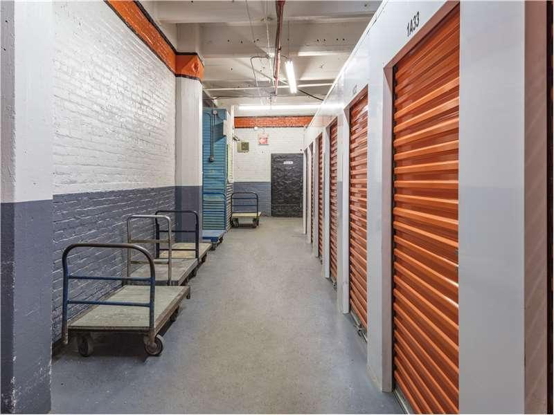 Extra Space Storage - moving company    Photo 5 of 10   Address: 160 John St, Brooklyn, NY 11201, USA   Phone: (718) 596-7867