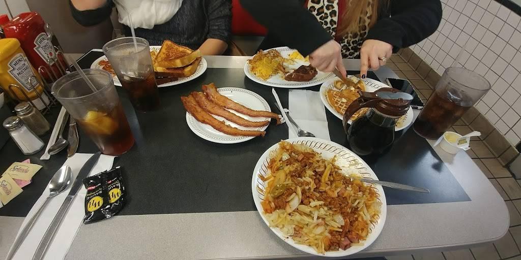 Waffle House - meal takeaway  | Photo 10 of 10 | Address: 3154 Telegraph Rd, St. Louis, MO 63125, USA | Phone: (314) 487-0212
