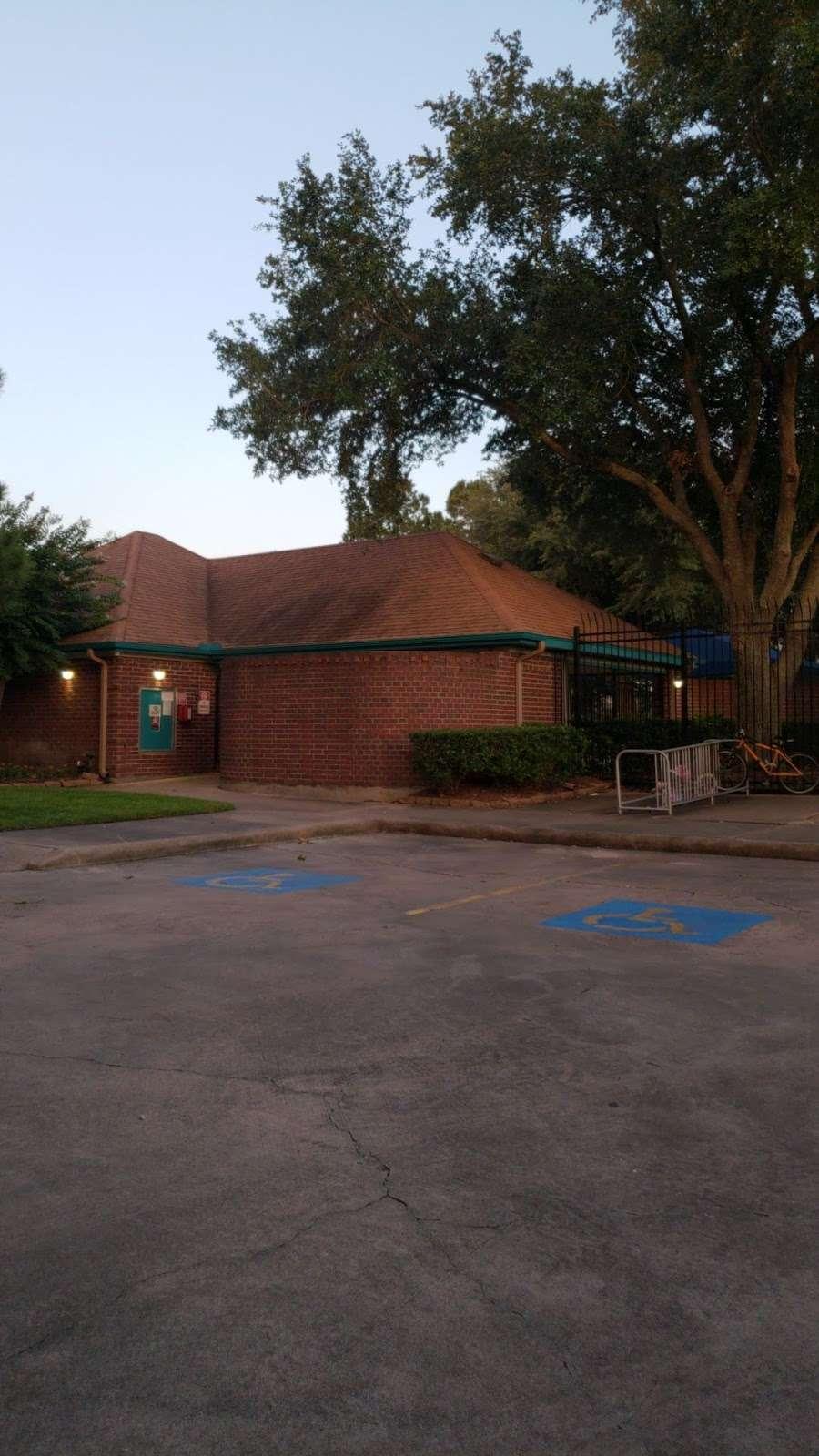 Westfield Pool/Splashpad/Tennis/Playground - park  | Photo 9 of 10 | Address: 19929, 20009 Misty Cove Dr, Katy, TX 77449, USA