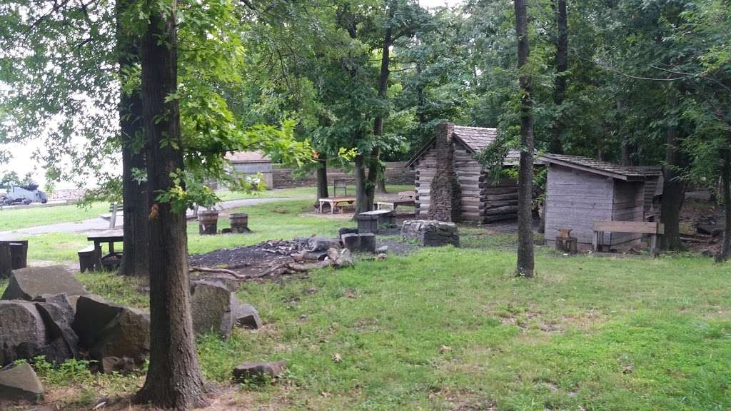 Ft Lee Soldiers Cabin - museum  | Photo 1 of 10 | Address: Fort Lee, NJ 07024, USA