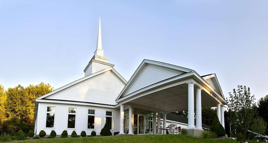 Grace Covenant Church - church  | Photo 2 of 10 | Address: 11 Colby Rd, Litchfield, NH 03052, USA | Phone: (603) 429-2979