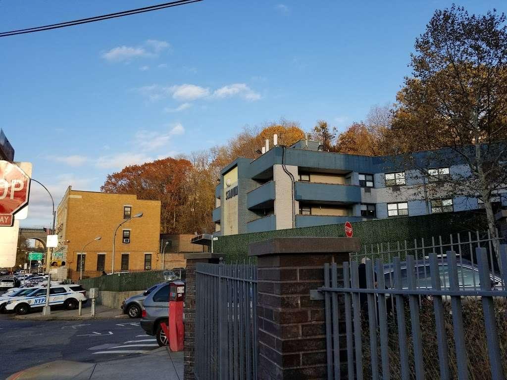 Stadium Hotel - lodging  | Photo 1 of 3 | Address: 1260 Sedgwick Ave, Bronx, NY 10452, USA | Phone: (347) 590-8227