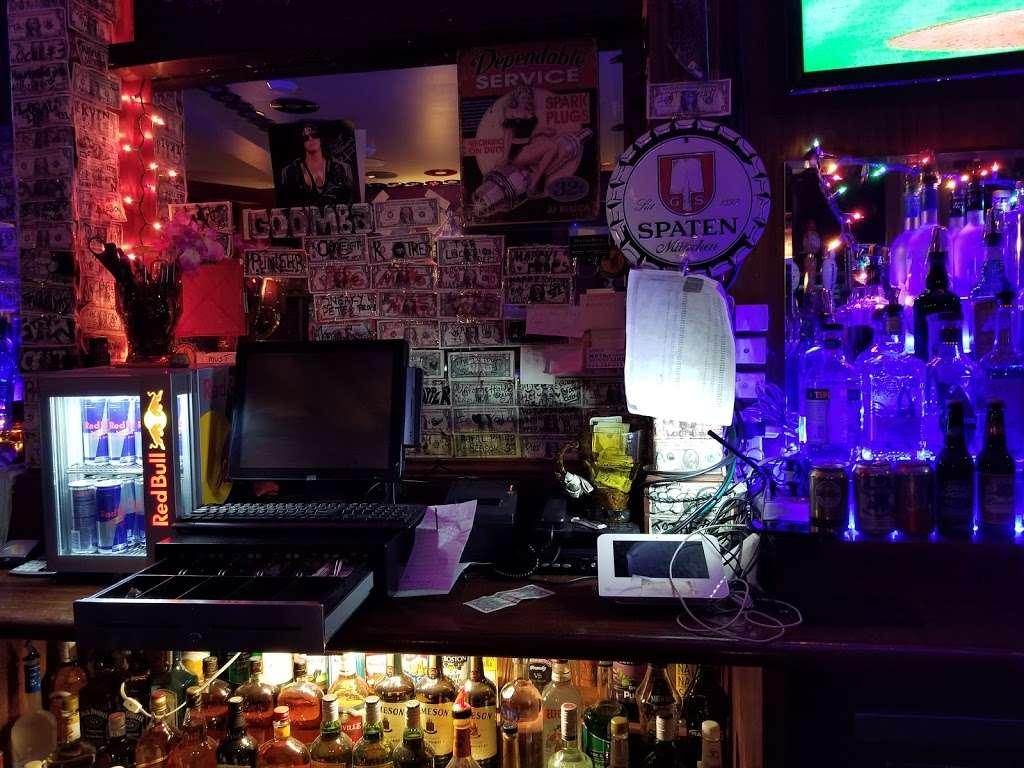 Kingsland Bar & Grill - restaurant  | Photo 3 of 10 | Address: 3634, 269 Norman Ave, Brooklyn, NY 11222, USA | Phone: (718) 383-1900