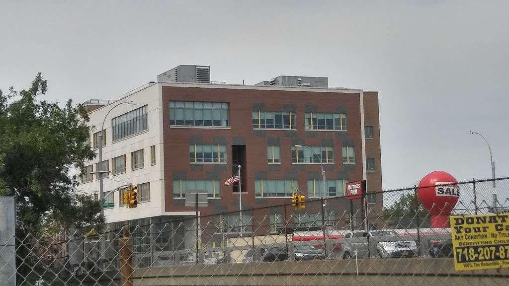 BP - gas station  | Photo 1 of 5 | Address: 1865 Bruckner Blvd, Bronx, NY 10472, USA | Phone: (718) 239-1010