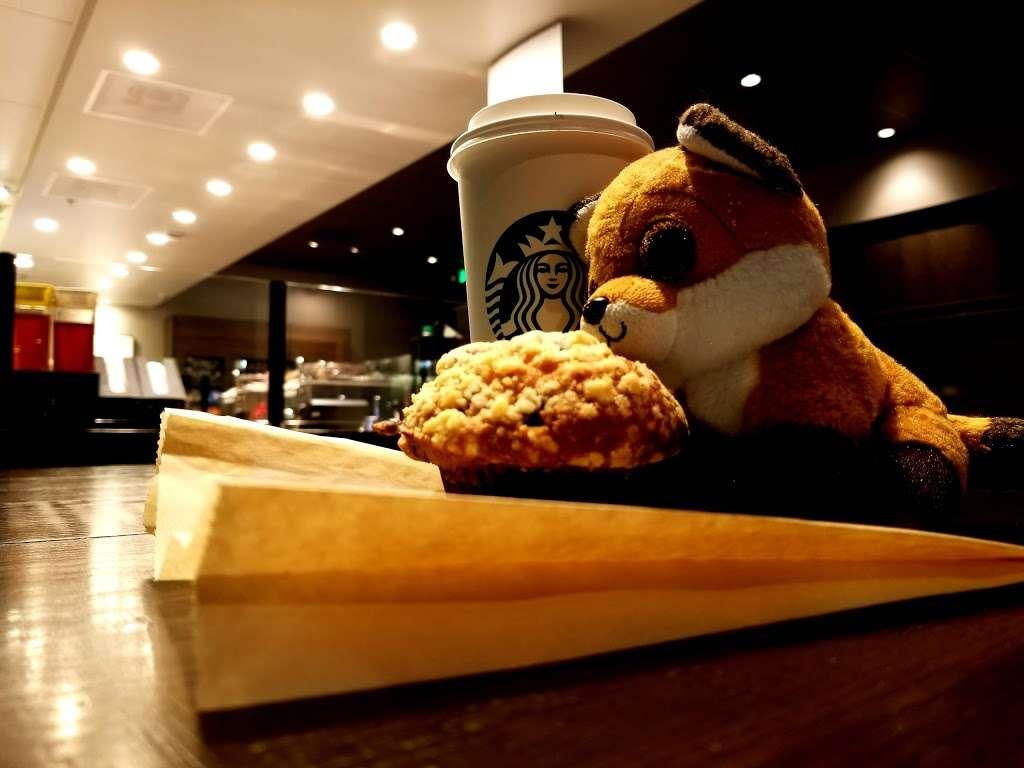 Starbucks - cafe  | Photo 4 of 10 | Address: 20451 Alton Pkwy, Lake Forest, CA 92610, USA | Phone: (949) 322-3785