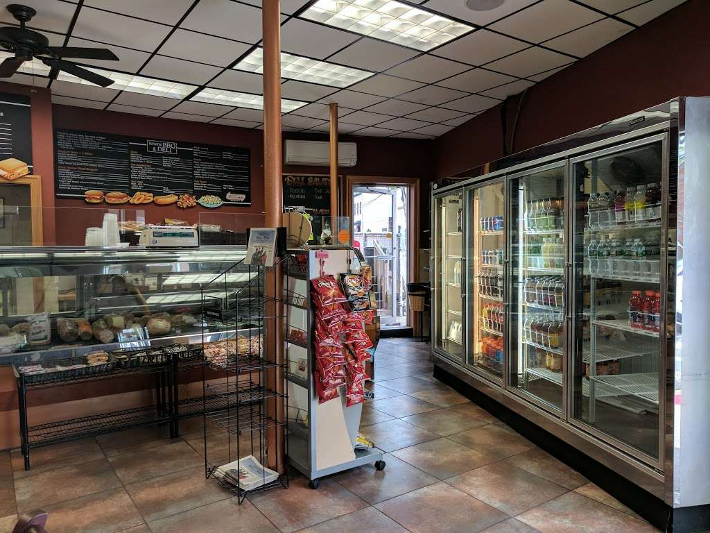 TowneBBQ - restaurant  | Photo 1 of 10 | Address: 1554 Paterson Plank Rd, Secaucus, NJ 07094, USA | Phone: (201) 210-2222