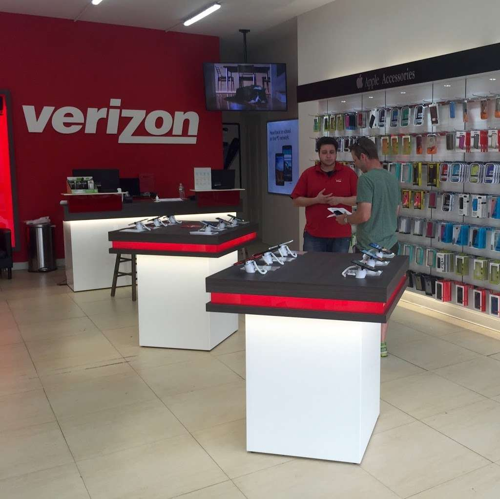 Verizon Wireless - store  | Photo 3 of 3 | Address: 337 Flatbush Ave, Brooklyn, NY 11217, USA | Phone: (718) 230-0700